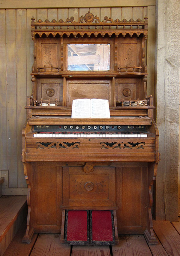 Foot-Pumped Harmonium
